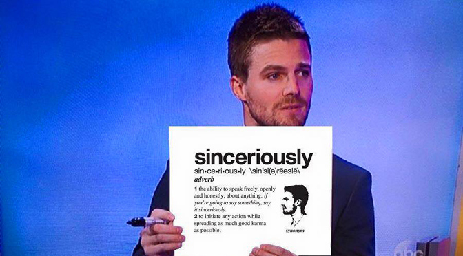 """Arrow's"" Stephen Amell Can Social Media Better Than You"
